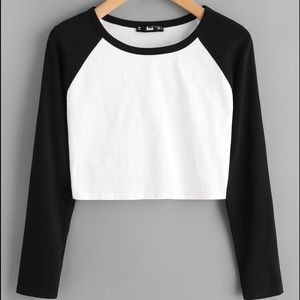 🆕Raglan Sleeve Crop Top